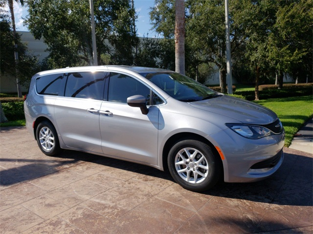 Pre Owned 2017 Chrysler Pacifica Lx